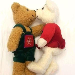 "NWOT Hallmark ""kiss kiss"" bears!"